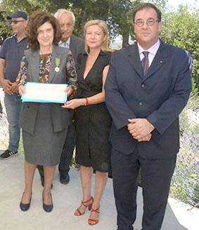 وسام الإستحقاق الزراعي الفرنسي لجانيت يونس تقديرا لعطائها