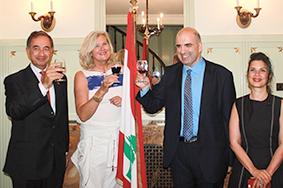 سفيرة لبنان في سويسرا كرمت لحود  والوفد المشارك في يوم النبيذ اللبناني