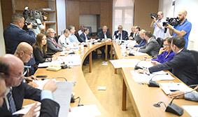 لجنة الشؤون الخارجية تقر مشروعين يتعلقان بوزارة العمل والطيران المدني