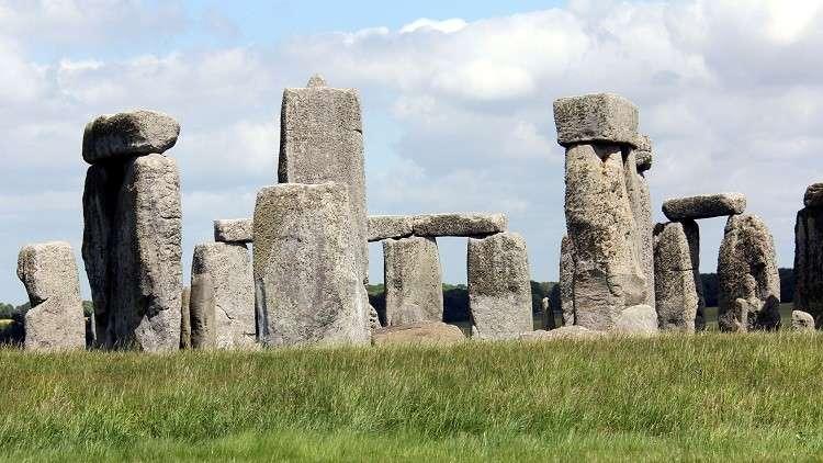 علماء الآثار يحددون وطن «بناة ستونهنج»