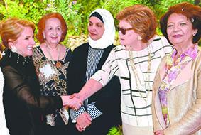 الصلح رعت معرضا يدويا في عاليه وحفل غداء لـ«نساء الزكاة» في سوق الغرب