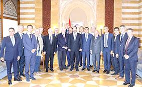 الحريري يترأس طاولة حوار مع مديري شركات لبنانية:  لتعزيز الشراكة مع القطاع الخاص لتحقيق التنمية المستدامة