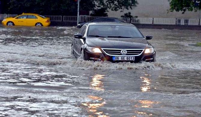 علماء: بدأ «عصر الأمطار والفيضانات»!