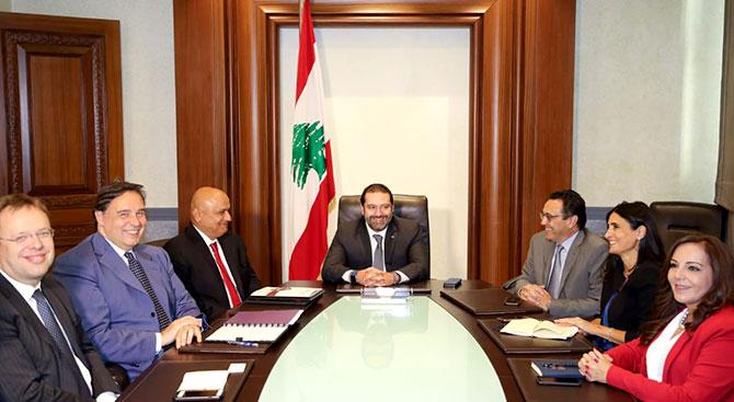 وفد من البنك الدولي يجتمع مع الحريري وخليل
