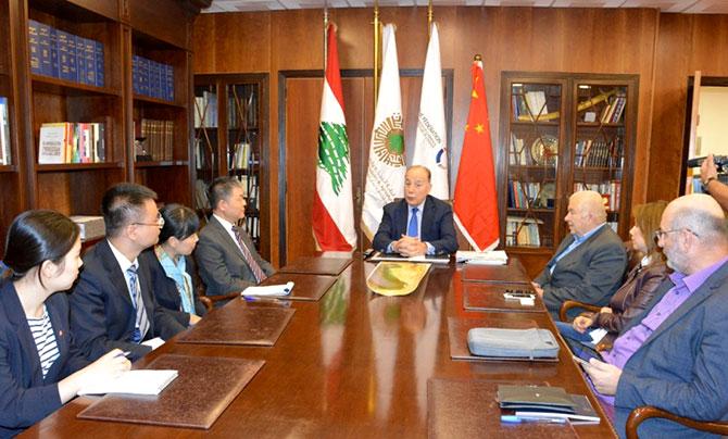 رئيس غرفة طرابلس يبحث  مع السفير الصيني مشاريع إقتصادية