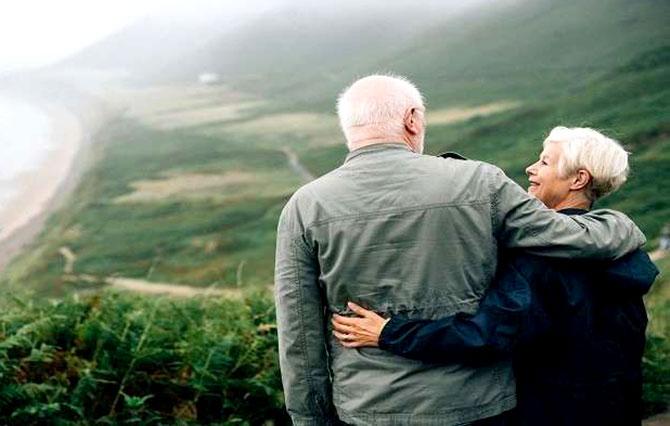 كيف يساعد التواصل في إطالة العمر؟
