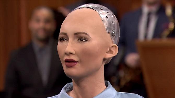 الاتحاد الأوروبي يستبدل قضاة بشراً بـ«روبوتات ذكية»
