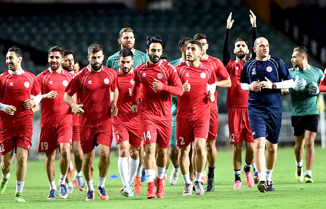 لبنان  يتطلع الى تحقيق فوز أول والعبور للدور الثاني من كأس آسيا