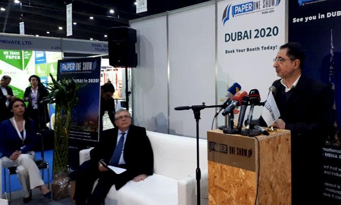 الحاج حسن يرعى افتتاح معرض للورق والكرتون: لا يجوز للبنان فتح أبوابه من دون ضوابط