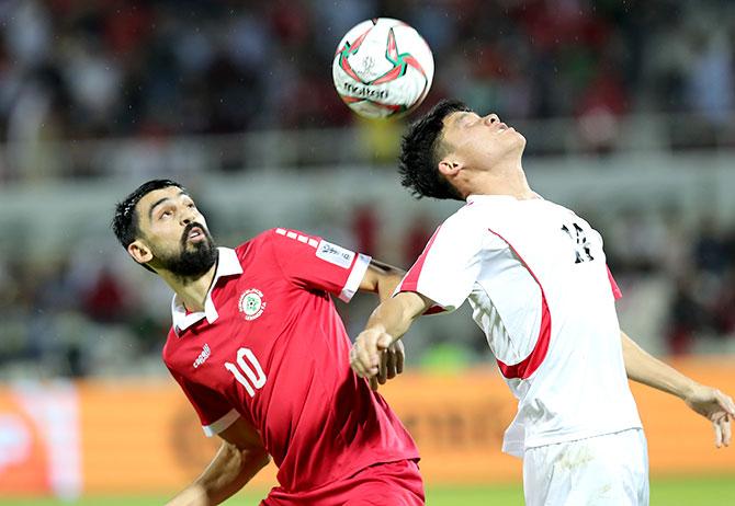 المنتخب اللبناني يعود من كأس آسيا ومصير المدرب ميودراغ رادولوفيتش   معلق