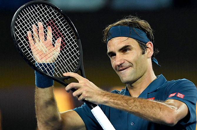 كرة مضرب / بطولة اوسترليا المفتوحة -  تسيتسيباس يقصي السويسري روجيه فيدرر بشكل مفاجئ