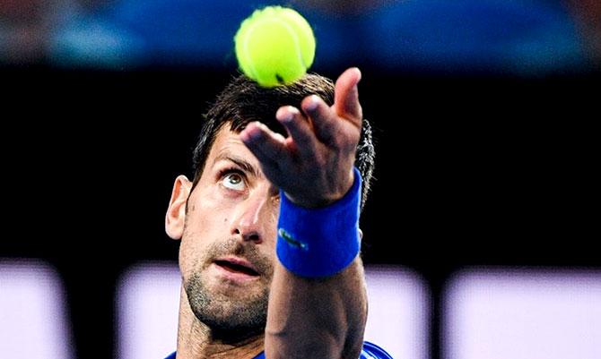 كرة مضرب / بطولة اوستراليا المفتوحة - ديوكوفيتش الى نصف النهائي بعد انسحاب الياباني نيشيكوري