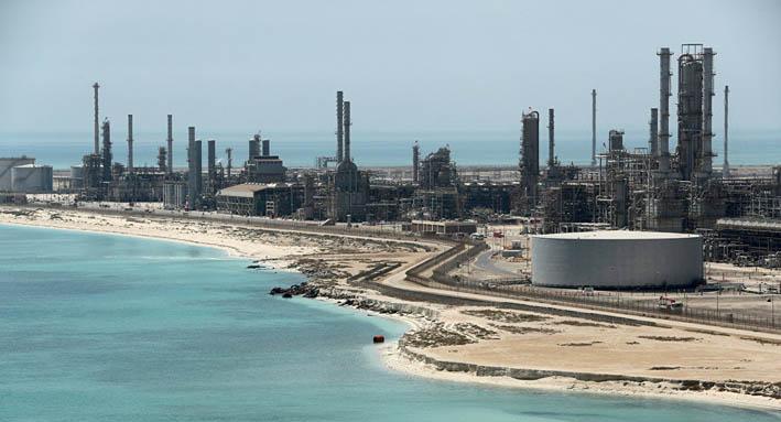 السعودية تعلن مركزها في الاحتياطي العالمي من الدولار