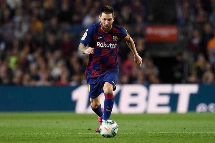 ميسي رغب بالرحيل عن فريق برشلونة بسبب الضرائب لكنه عازم على انهاء مسيرته فيه