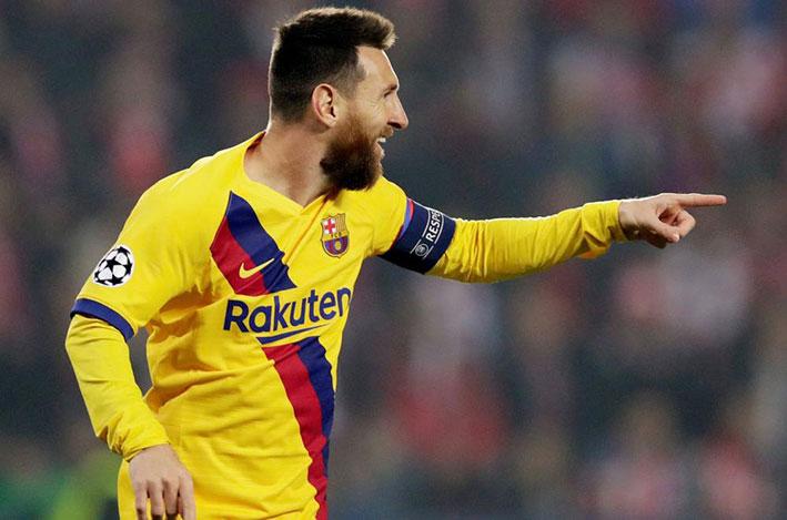 كرة قدم / الدوري الإسباني - برشلونة وريال يعودان للمنافسة بهدف استعادة الريادة