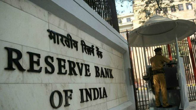الفائز بجائزة نوبل للاقتصاد 2019: قطاع البنوك الهندي يعاني من أزمة