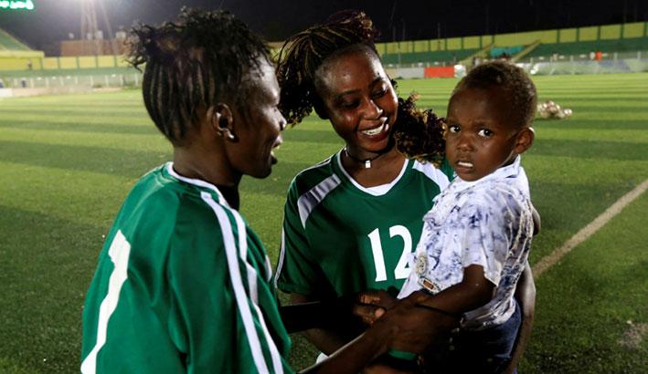 تدشين اول دوري لكرة القدم النسائية في السودان