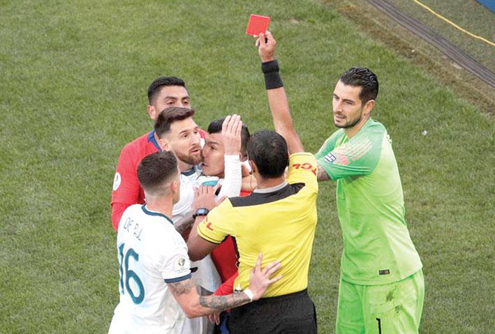 ميسي يقود منتخب الأرجنتين في مواجهتي البرازيل والأوروغواي
