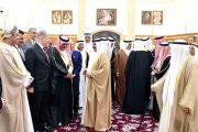ملك البحرين يلتقي دبوسي والمشاركين في مؤتمر المستثمرين العرب