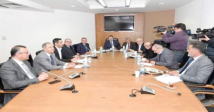 لجنة الاقتصاد  تلقت تطمينات من سلامة حول تأمين السيولة للمودعين الصغار