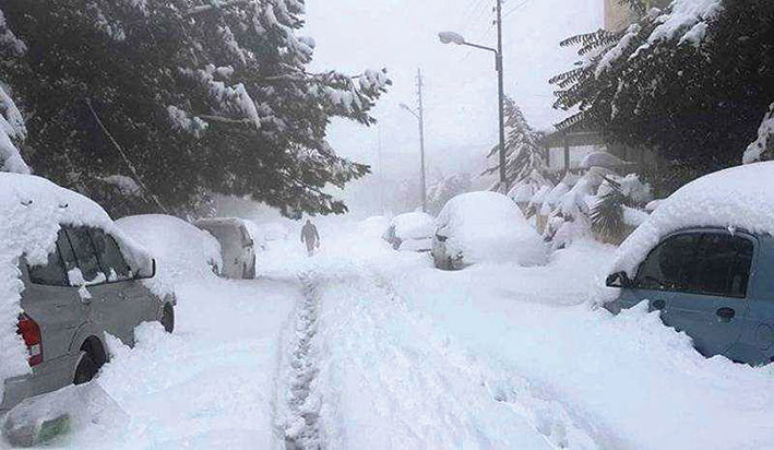 «كريم» يغطي لبنان بالثلوج والجليد وطرقات مقفلة في العديد من المناطق