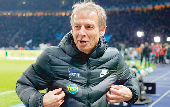 الألماني يورغن كلينمسان يستقيل من تدريب فريق هيرتا برلين