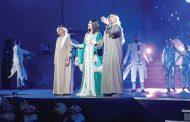 الشرقي يفتتح مهرجان الفجيرة الدولي للفنون في دورته الـ 3 .. وحسين الجسمي ينقذ أحلام من السقوط على المسرح