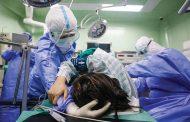 العالم يحصي 200 ألف إصابة جديدة.. منظمة الصحة توقف تجارب عقارين