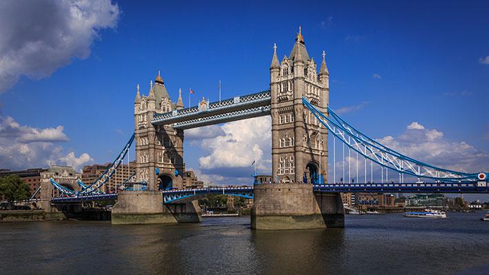 توقف حركة المرور عبر جسر برج لندن لأكثر من ساعة بسبب عطل