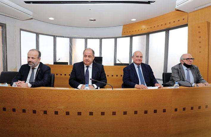 اجتماع لقطاع التأمين بالمجلس الاقتصادي: الأولوية لتحديد طبيعة الإنفجار في المرفأ