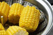 بعض فوائد الذرة الصفراء المسلوقة