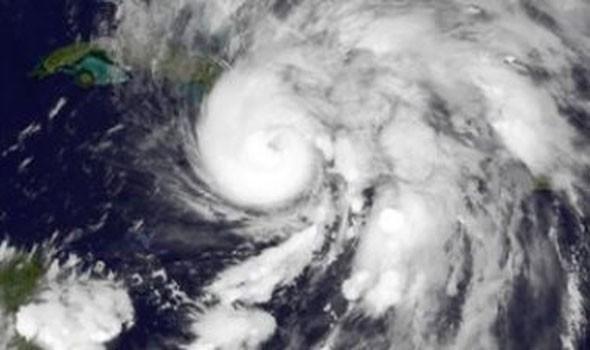 الاعصار سالي يدفع أسعار النفط إلى المنطقة الخضراء