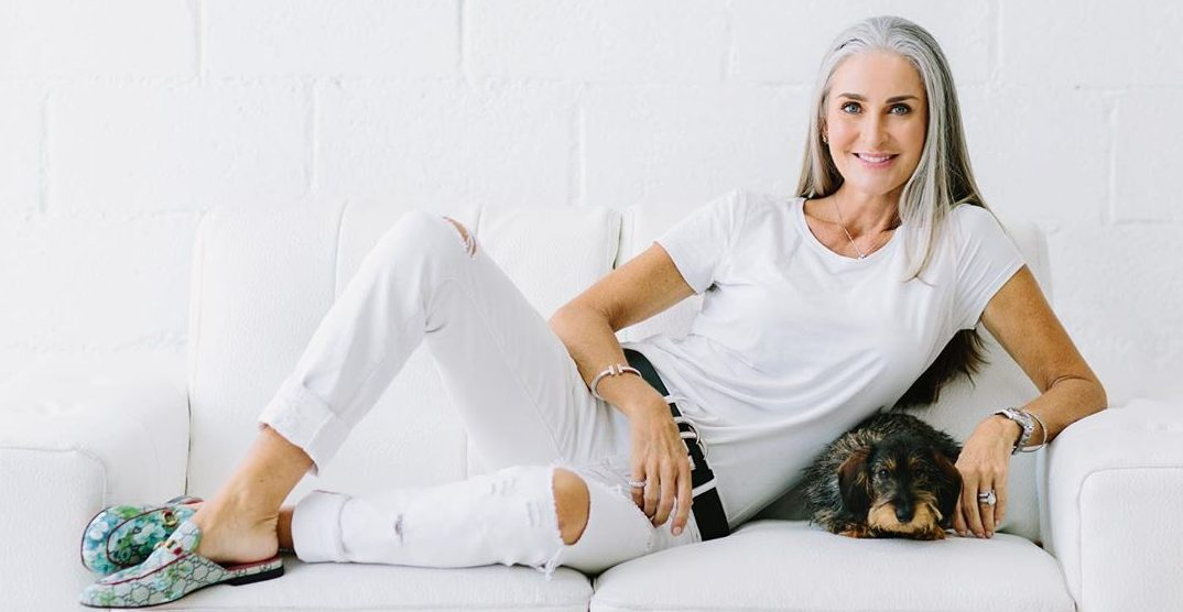 كارولين لابوشير تثبت أنّ العمر مجرد رقم في عرض الأزياء