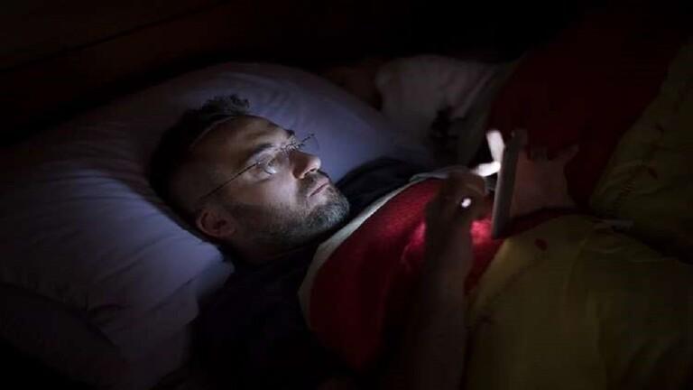 اكتشاف ارتباط بين سوء جودة الحيوانات المنوية واستخدام الأجهزة الإلكترونية في الليل