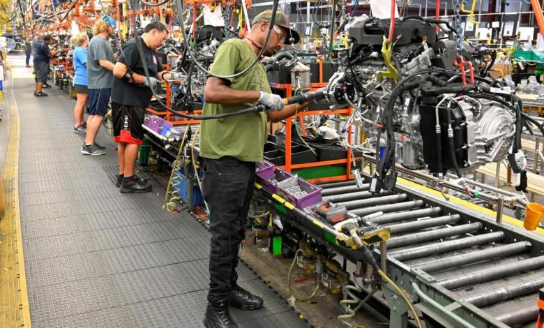 أميركا تشهد إنخفاضا غير متوقع في الانتاج الصناعي