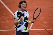 روبليف يصعد إلى المركز الثامن في تصنيف لاعبي التنس المحترفين