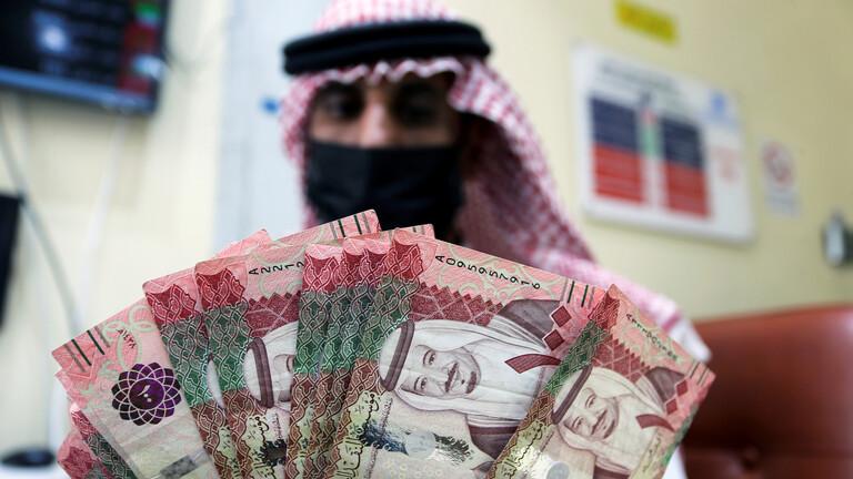 السعودية تطرح عملة من فئة 5 ريالات مصنوعة من البوليمر