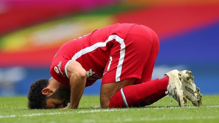 ليفربول يكرم نجمه محمد صلاح بدخوله نادي الـ100