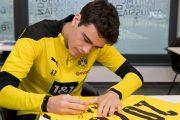 جيوفاني رينا يوقع على عقد جديد مع فريقه بوروسيا دورتموند