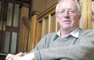 وفاة الصحافي البريطاني روبرت فيسك
