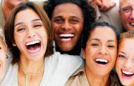 ماذا يفعل الضحك بجسمك؟