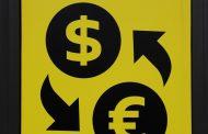 اليورو يقترب من أعلى مستوى في عامين ونصف العام