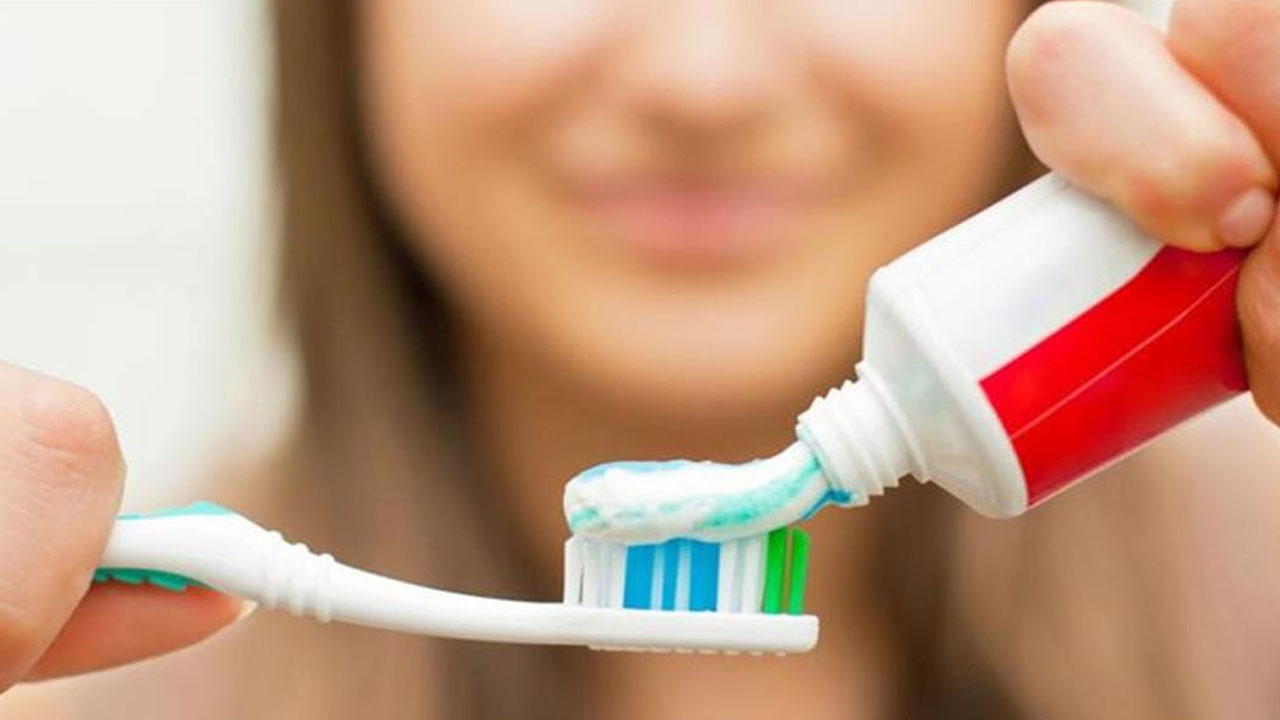 عادات شائعة تؤدي إلى تسوس الأسنان