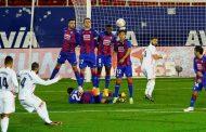 بنزيمة يمنح ريال مدريد فوزه الخامس على التوالي