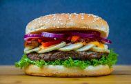 ماذا يحصل لجسمك عندما تأكل وجبة سريعة يوميا؟
