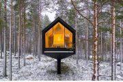 أكواخ معلقة لعلاج الهموم والقلق في فنلندا