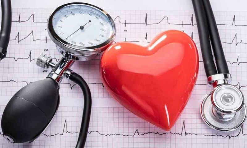 مشروبات ينبغي الابتعاد عنها للسيطرة على ضغط الدم