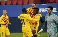 برشلونة يهزم أوساسونا ويشعل المنافسة على لقب