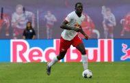ليفربول يتعاقد مع مدافع فرنسي لحل مشاكله الدفاعية