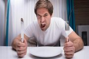 السر وراء الشعور بالجوع طوال الوقت